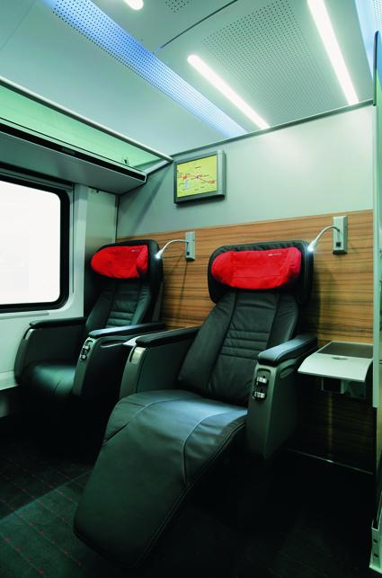 Komfortabel geht's im Inneren des railjet zu.