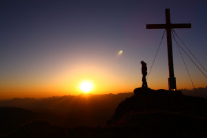 Sonnenaufgang auf 2.000 Metern. Allgäu (Bild: Erika Spengler)