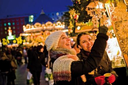 Handwerkskunst auf dem Weihnachtsmarkt