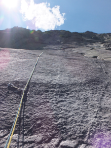 Zwar nicht im Allgäu, aber dennoch schön: Klettern am Grimselpass