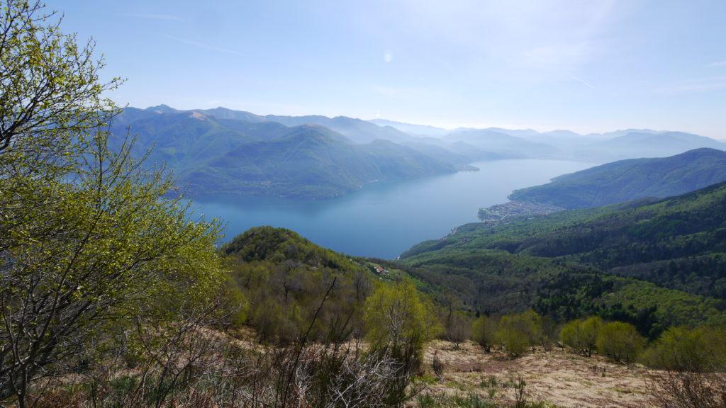 Ausblick vom Monte Faierone auf den Lago Maggiore