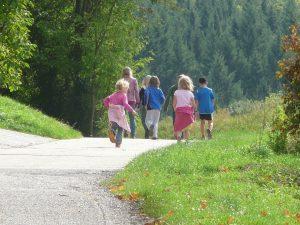 Zusammen wandern macht mehr Spaß